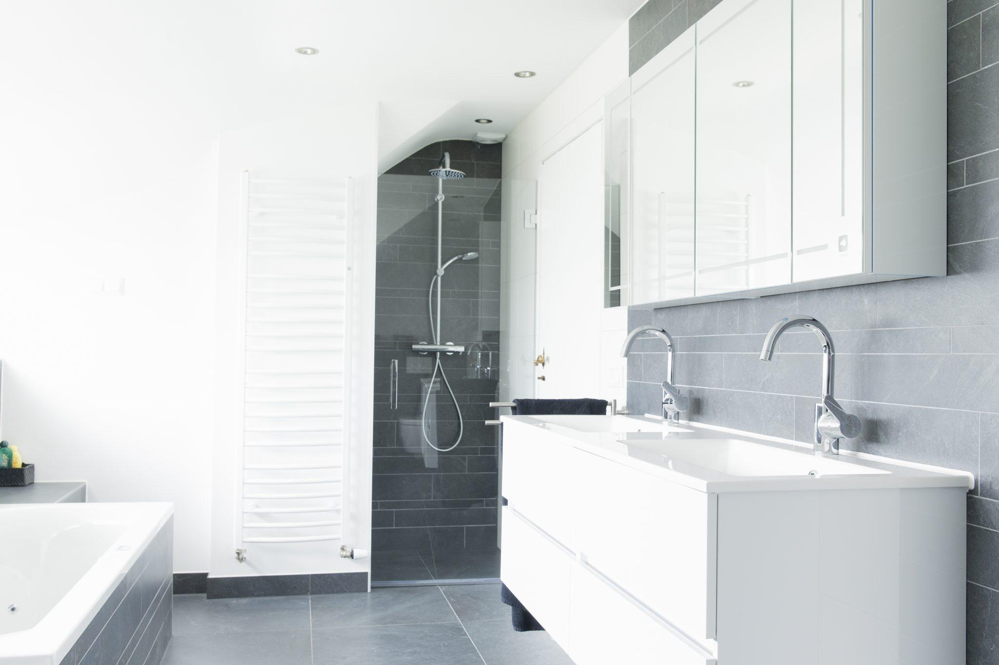 plete badkamer maak uw droombadkamer pleet