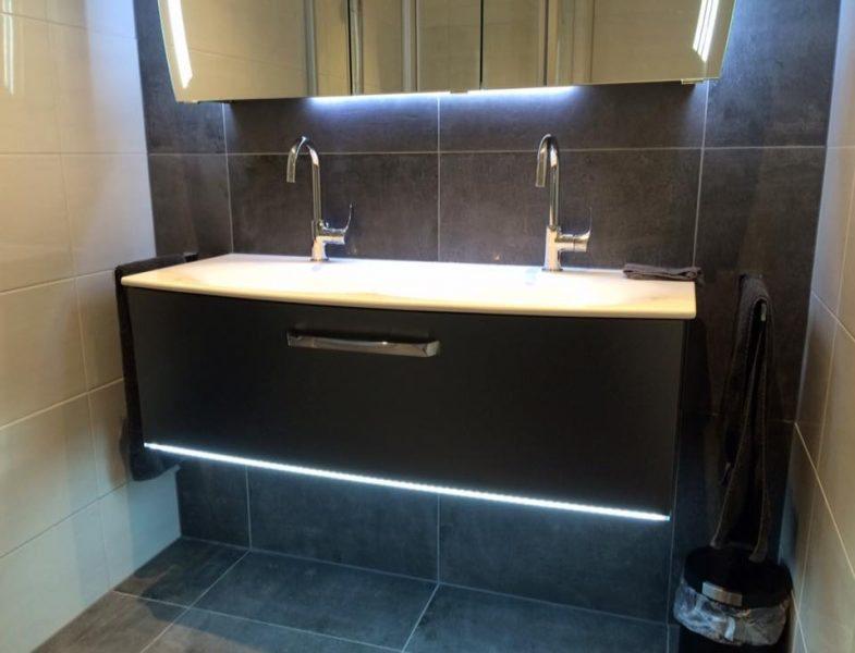 Sfeervolle badkamer in rijssen badmeesters for Badkamer laten ontwerpen